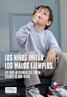 """Neste cartaz, de uma campanha anti-fumo chilena, aparece uma criança vestindo o calçado de um adulto e com uma caneta na boca imitando alguém fumando. """"Los niños imitan los malos ejemplos"""" é a frase principal do cartaz. Palavras-chave: Fumo. Campanha. Chile. Cartaz. Anti-fumo. Niños. Malos ejemplos. Imitar."""