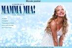 """Cartaz promocional do filme """"Mamma mia"""", de 2008, adaptação do musical de 1999. Aparece a atriz que estrelou o filme, e informações, apresentada em linguagem de propaganda. Palavras-chave: Propaganda. Loira. Mulher. Filme. Cinema."""