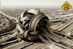 Fotomontagem mostrando um nó (cruzamento) numa rede de estradas de rodagem. O número de carros e o aumento da população dos grandes centros é um dos maiores problemas urbanos, gerando engarrafamentos e transtornos. Palavras-chave: GPS. Transporte. Posicionamento. Satélite. Urbanismo. Automóve. Environment.